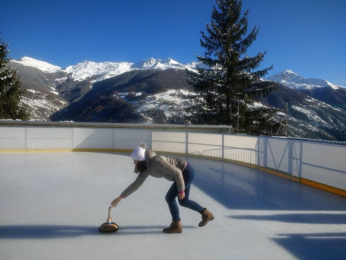 Eisstock à la patinoire d'Hérémence